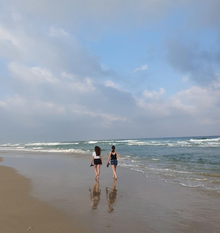 חוף בית ינאי - טיול משפחה - כנרת מטיילת