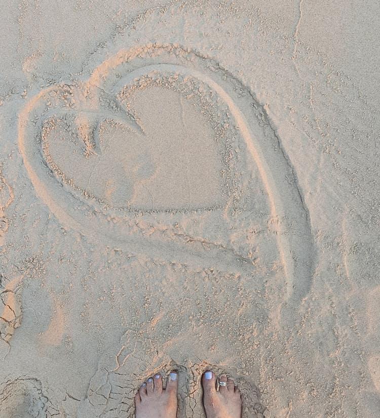 עבות בחול - חוף בית ינאי - טיול בשבת עם ילדים