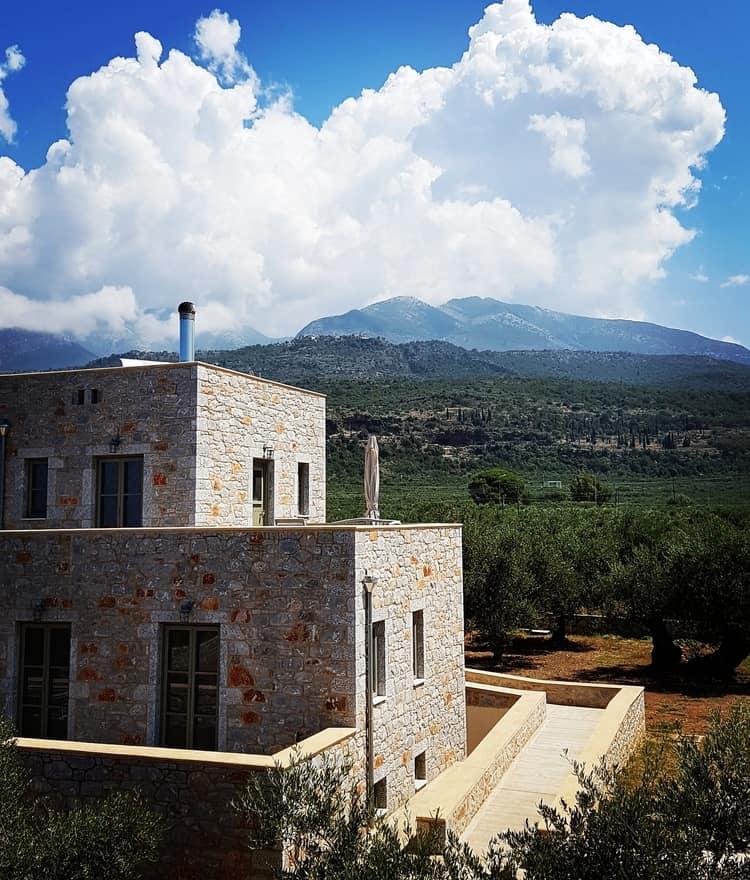 אגיוס ניקולאוס - לטייל ביוון - פלופונס - מאני - כנרת מטיילת