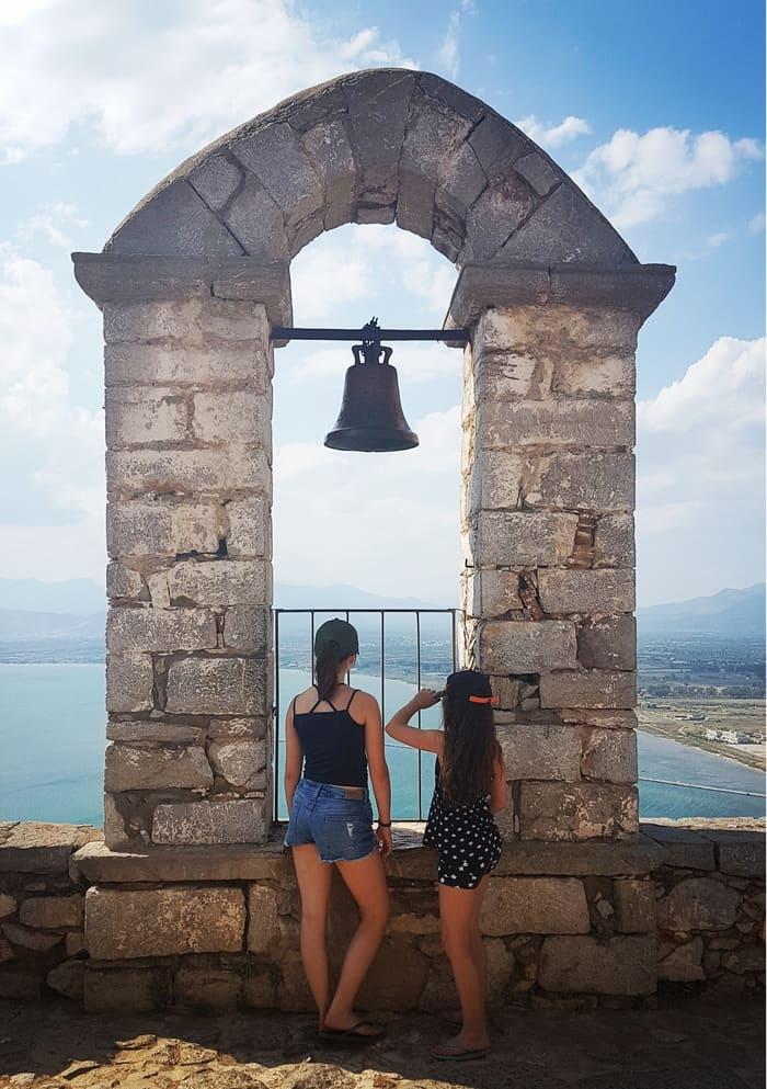 """יוון למטייל - נפפיליו - יוון משפחה - יוון עם ילדים - טיולים בחו""""ל - כנרת מטיילת - מצודת פלמידי"""