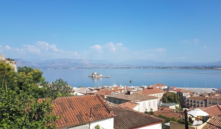 """יוון למטייל - נפפיליו - יוון משפחה - יוון עם ילדים - טיולים בחו""""ל - כנרת מטיילת - אי התליין - מצודת בורציי"""