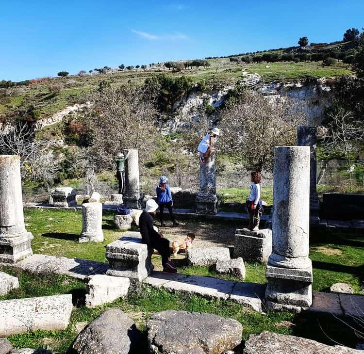 בית הכנסת העתיק בכפר ג'יש - גליל עליון - כנרת מטיילת - נחל גוש חלב