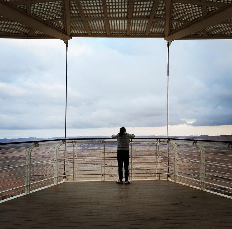 מרפסת טיילת מצפה רמון - כנרת מטיילת - מצפה רמון עם ילדים