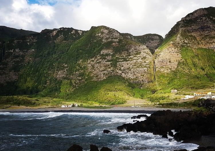 האיים האזוריים - flores island azores - האי פלורס - האוקיינוס האטלנטי